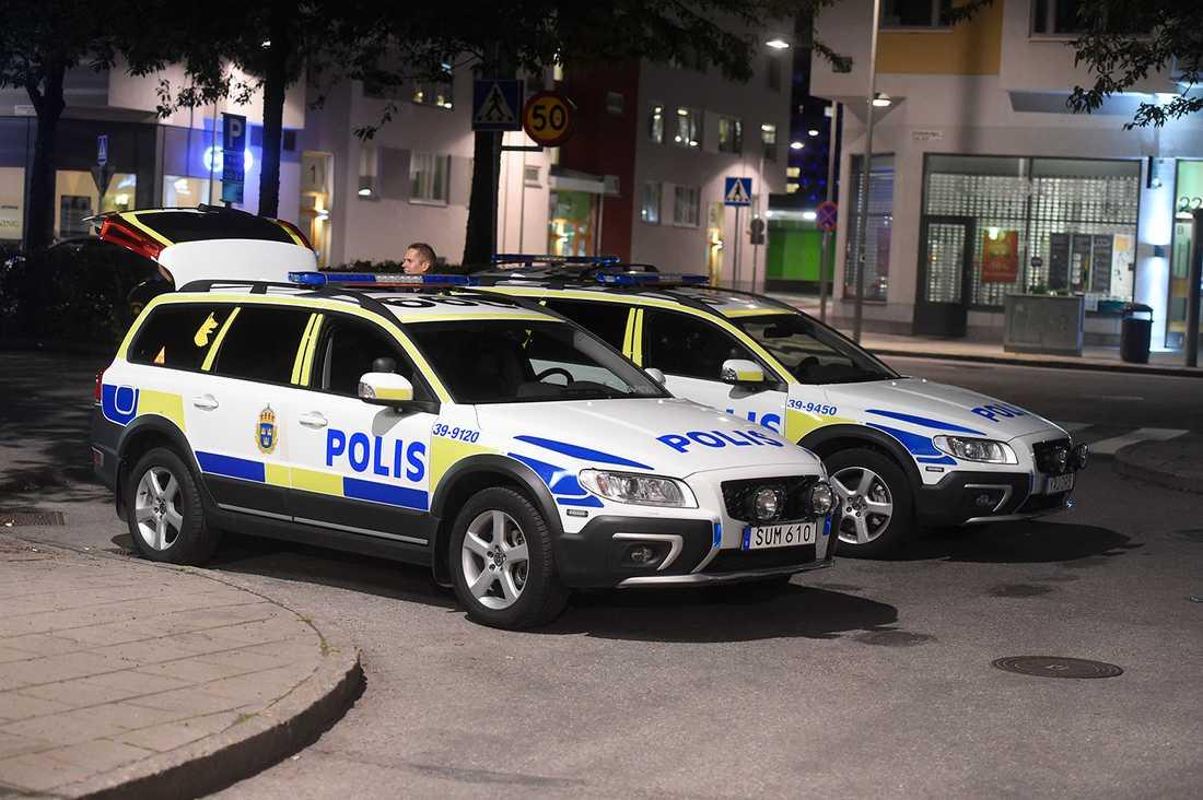Poliser i Solberga, södra Stockholm.