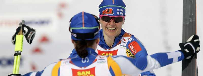 VM-drottning Finlands Aino-Kaisa Saarinen tog i dag sin tredje VM-medalj. Tillsammans med Virpi Kuitunen blev det guld i parsprint.
