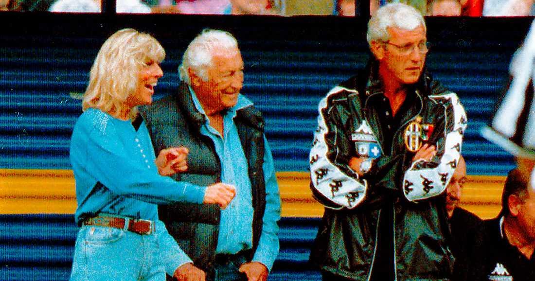 fotbollen  Evelina Christillin tillsammans med Fiat och Juventusbossen Gianni Agnelli och förre Juventustränaren Marcello Lippi.