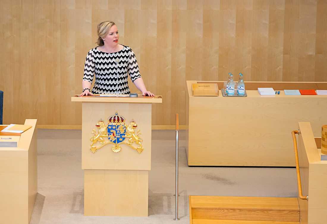 Linda Snecker, rättspolitisk talesperson (V)