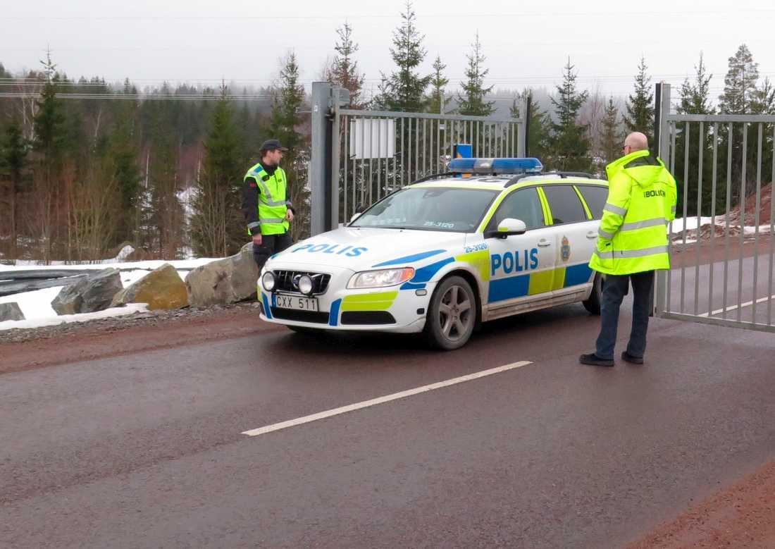 Arkivbild. Polis vid gruvan vid ett tidigare tillfälle.