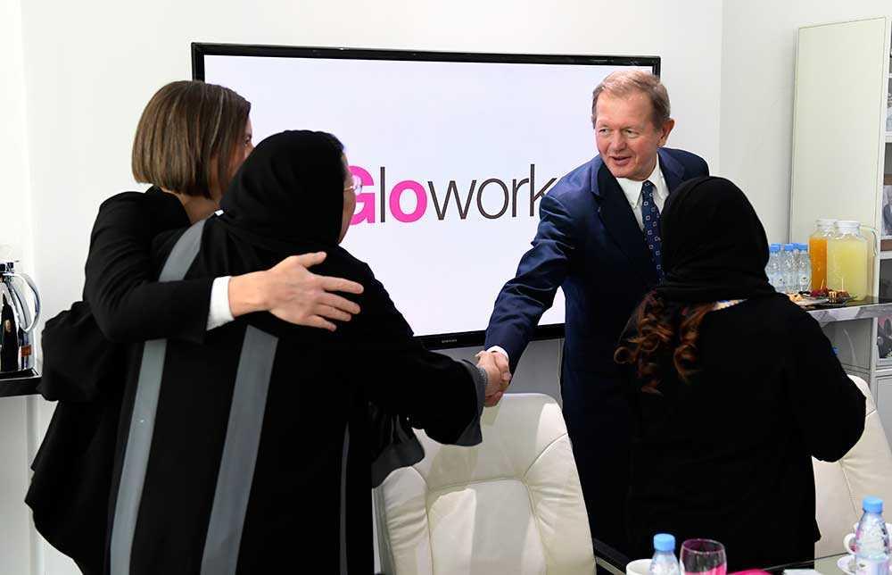 Marcus Wallenberg medverkade vid statsministerns besök på företaget Gloworks i Saudiarabiens huvudstad Riyadh. Glowork har som affärsidé att rekrytera kvinnor, och anställer stadigt fler