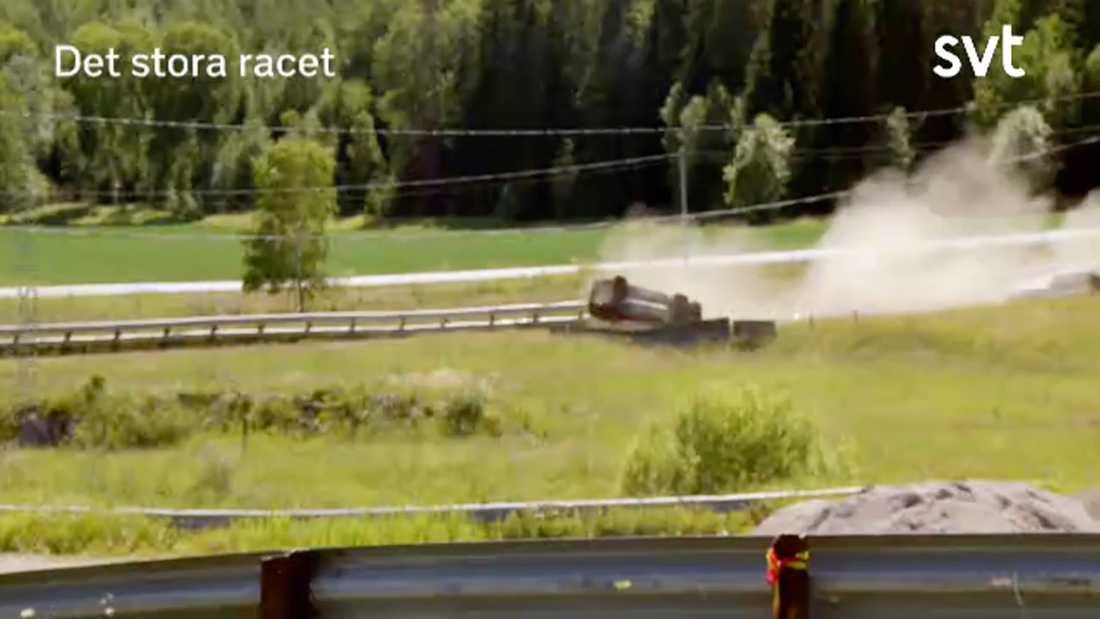 """Kodjo Akolor i krasch under inspelningen av """"Det stora racet"""" på SVT"""