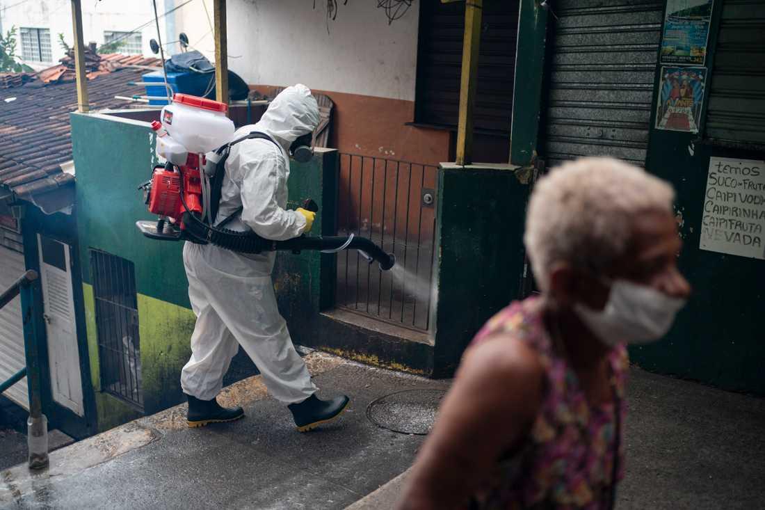 Desinficeringsarbete i Rio de Janeiro. Arkivbild.