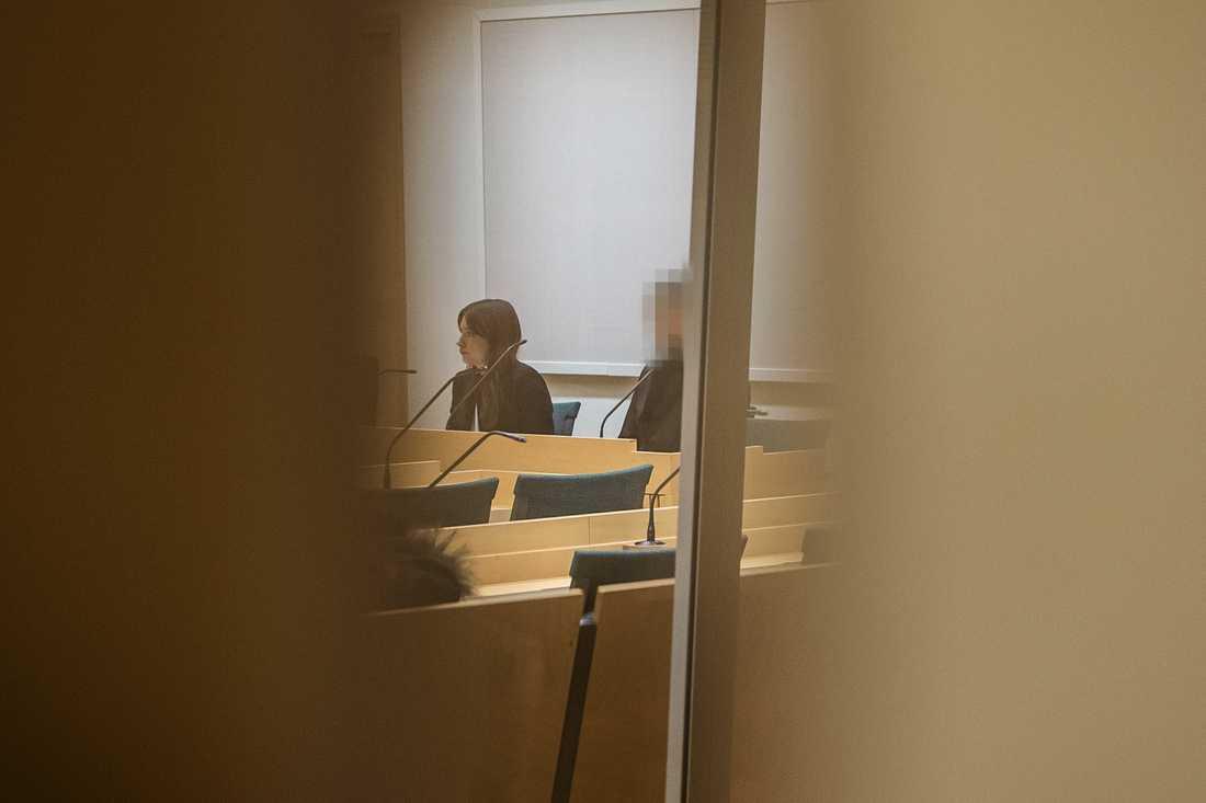 16-åringen under häktningsförhandlingarna i Södertörns tingsrätt