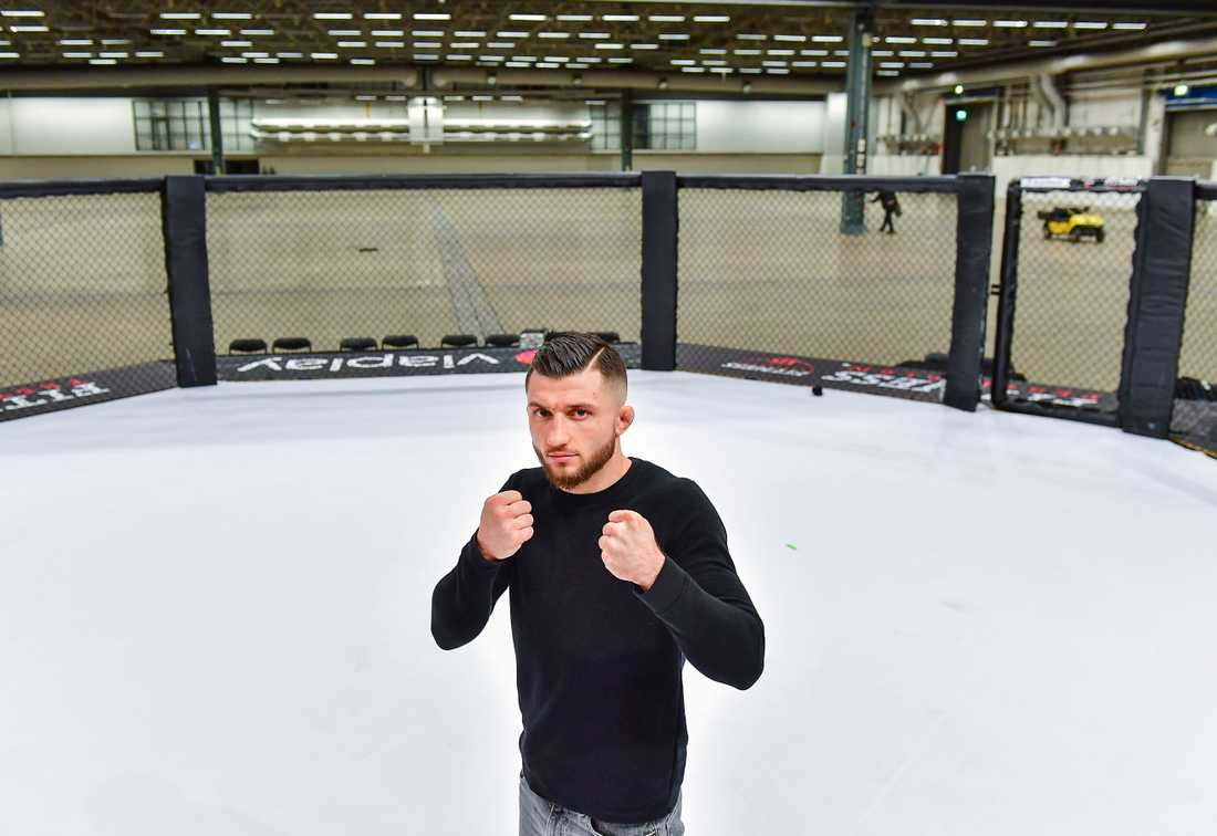 Svenske Bartosz Wojcikiewicz ska möta Raymison Bruno, Brasilien, i MMA-galan i Älvsjömässan.