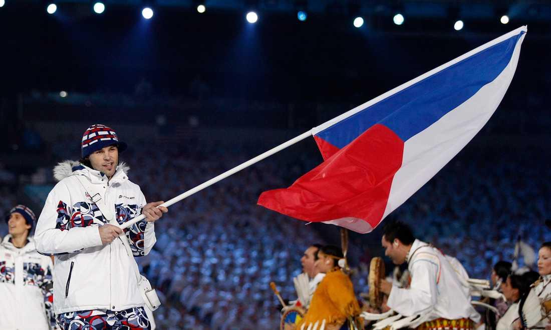 Jagr ärades med flaggbärandet under OS-invigningen i Vancouver 2010. Den här gången blev Tjeckien dock utan medalj.