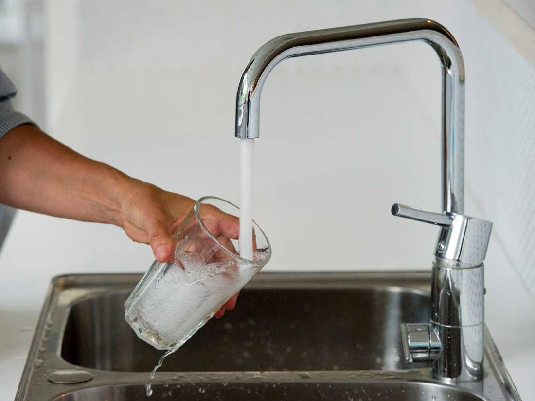 Invånare i Östersunds och Krokoms kommuner uppmanas att koka sitt dricksvatten, eftersom det kan vara förorenat av bakterier. Arkivbild.
