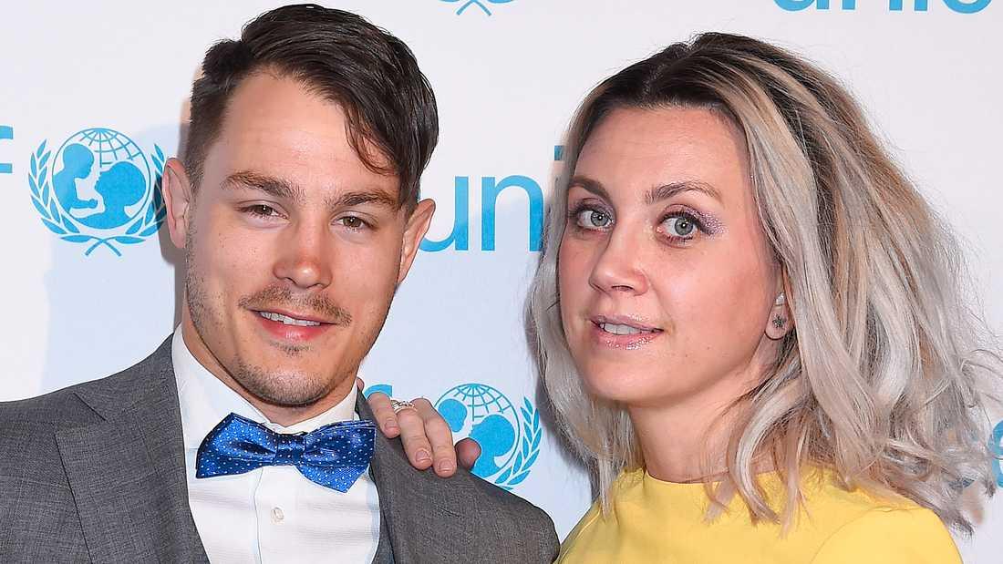 Simon Sköld och Camilla Läckberg.