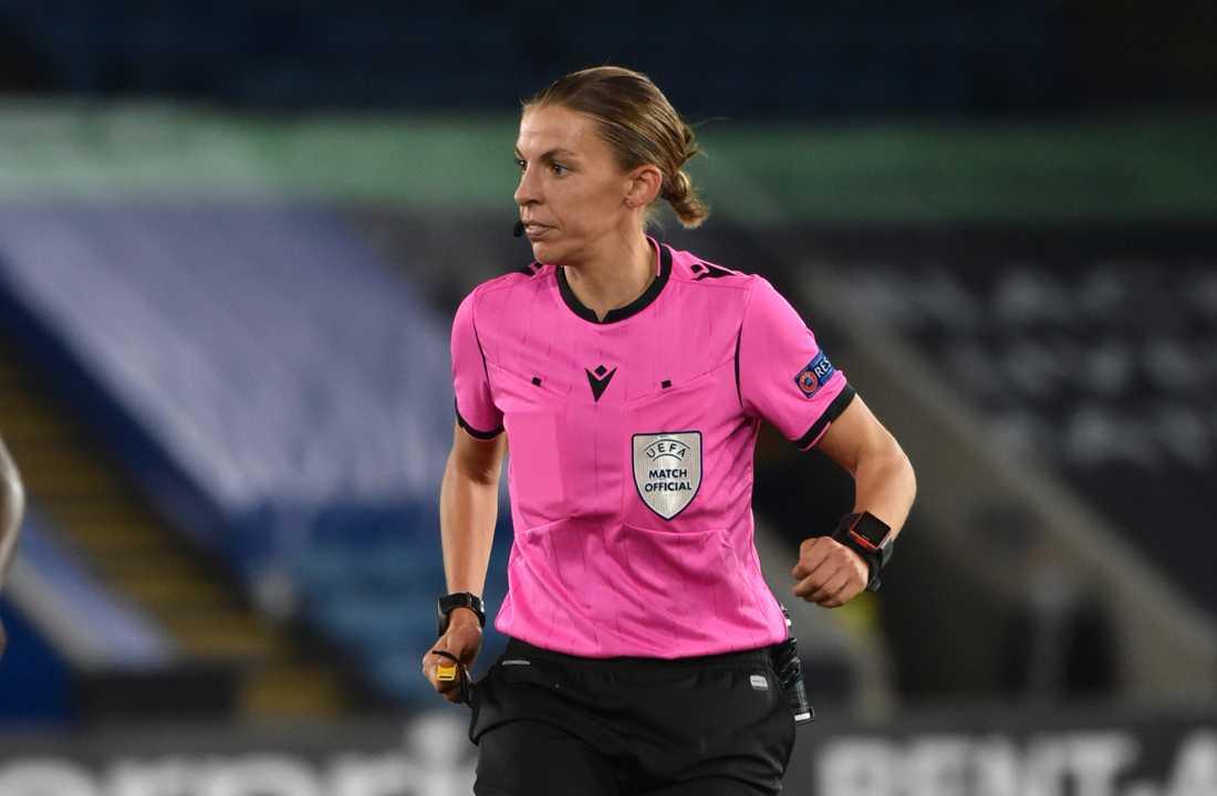 Stéphanie Frappart bli i dag historisk när dömer CL-matchen mellan Juventus och Dynamo Kiev. Arkivbild.