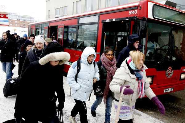 Vid Liljeholmen i Stockholm var det kaos i kollektivtrafiken under tisdagsmorgonen.