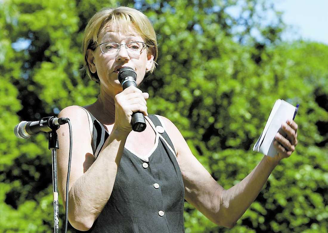money, money, money Opinionsundersökningarna har inte visat något större stöd för Gudrun Schyman och Fi. Men en miljongåva från ABBA-Benny har fått fart på kampanjen. Kan det räcka?