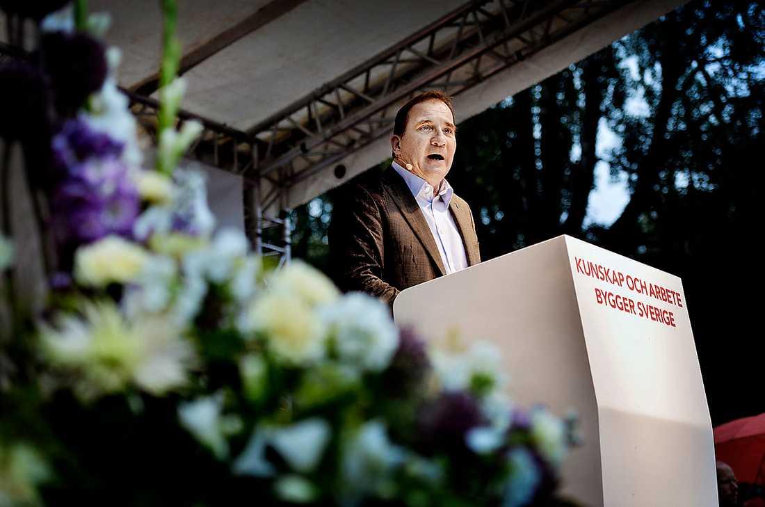 inte ända fram Stefan Löfven borde ha höjt rösten mot främlingsfientlighet i sitt sommartal.