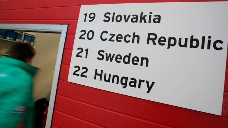 Vi delar garage med östgardet och Ungern snuvar oss på tredjeplatsen.