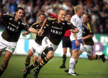 PÅ SPRÅNG MOT ALLSVENSKAN AIK jagar vidare mot målet – en comeback i landets högsta serie.
