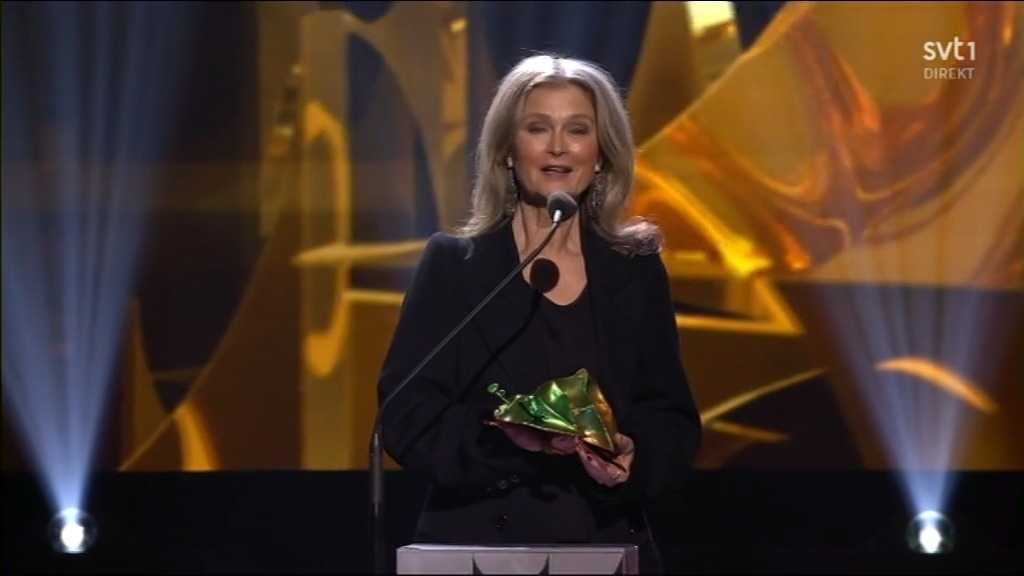 Lena Endre vinner årets kvinnliga biroll.