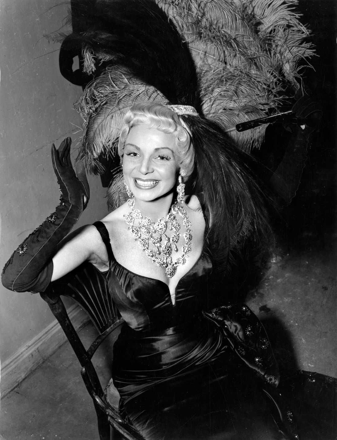 "Ulla Sallert i ""Glada änkan"" 1954."