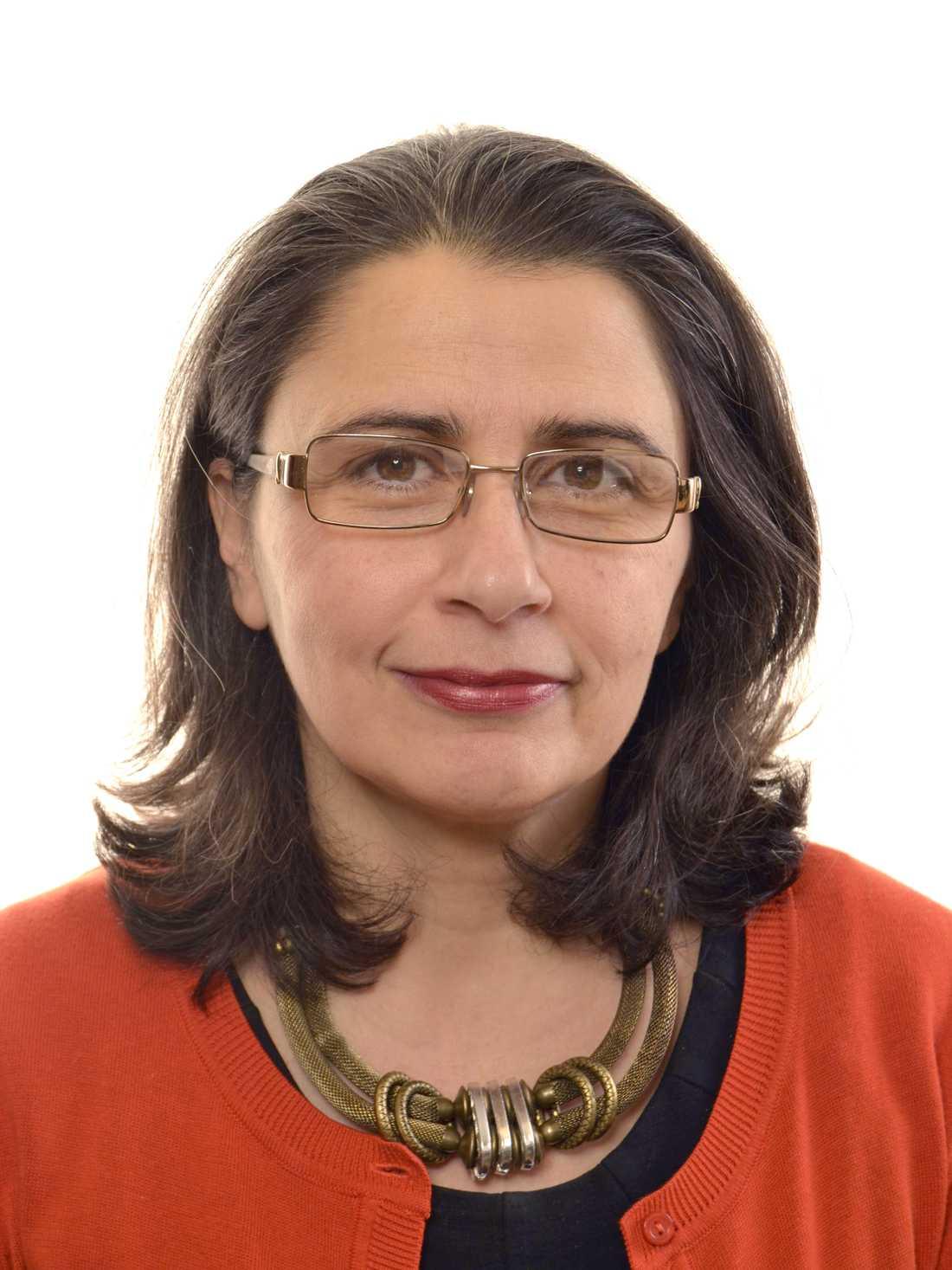 Esabelle Dingizian (MP)