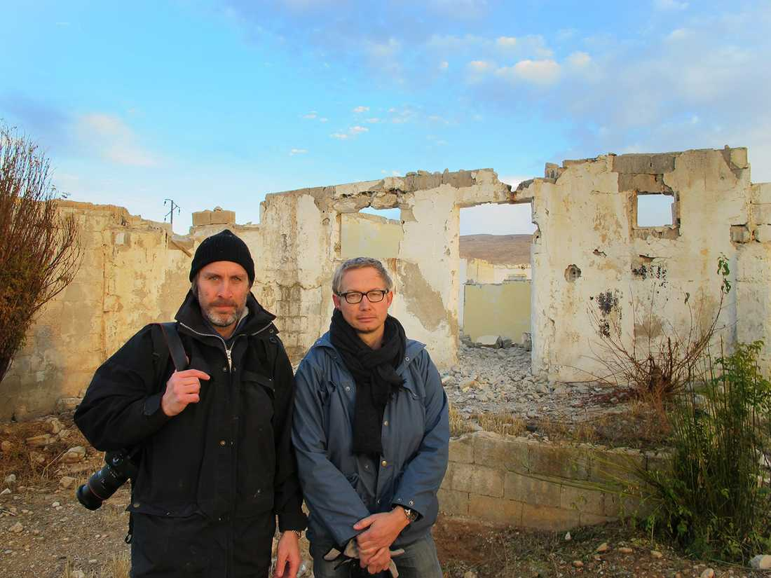 Niclas Hammarström och Magnus Falkehed utanför Yabrud, Syrien.