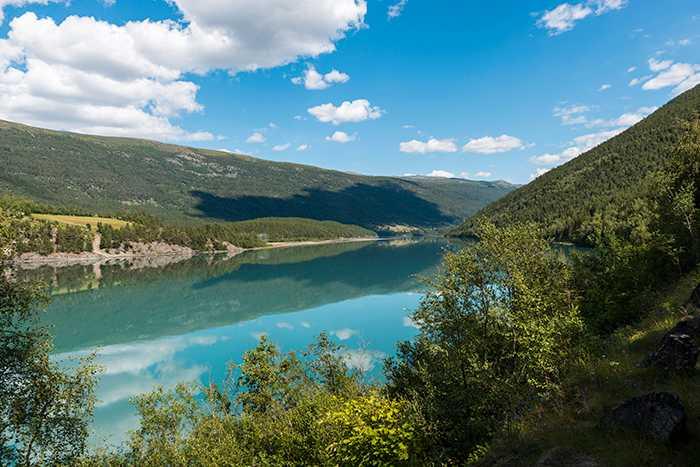 I  norska Jotunheimen, finns flera nationalparker, med bra vandringsturer både för den äventyrslystne och för den som vill ta det lite lugnare.