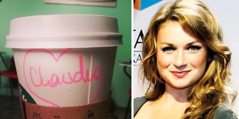 Claudia Galli Concha uppmärksammas av kafébiträdet.