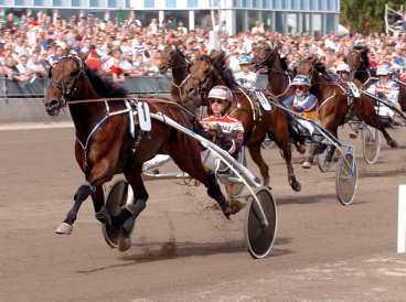 Totti Boko och Örjan Kihlström vann med betryggande marginal i V75-2.
