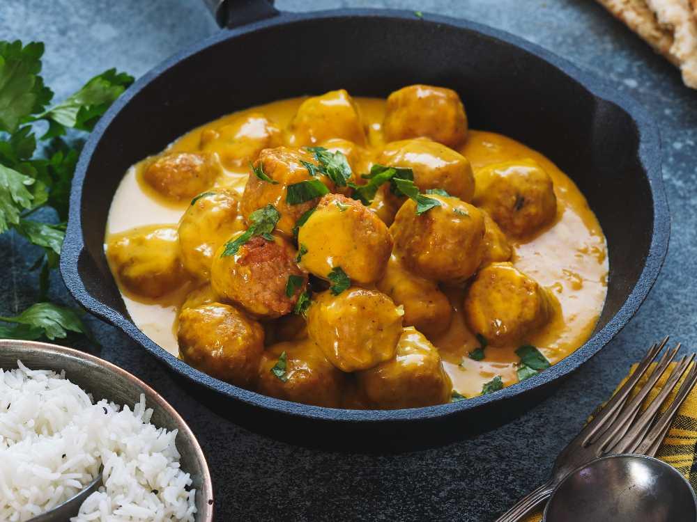 Indiska morotsbullar i currysås