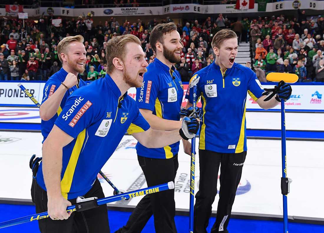 Sverige slog hemmanationen Kanada och tog VM-guld i natt.