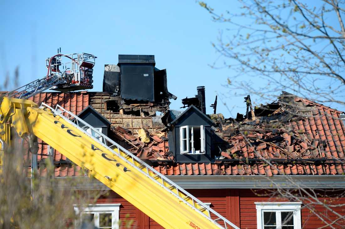 Under söndagsmorgonen brann det i ett flerfamiljshus i Kummelnäs i Nacka.