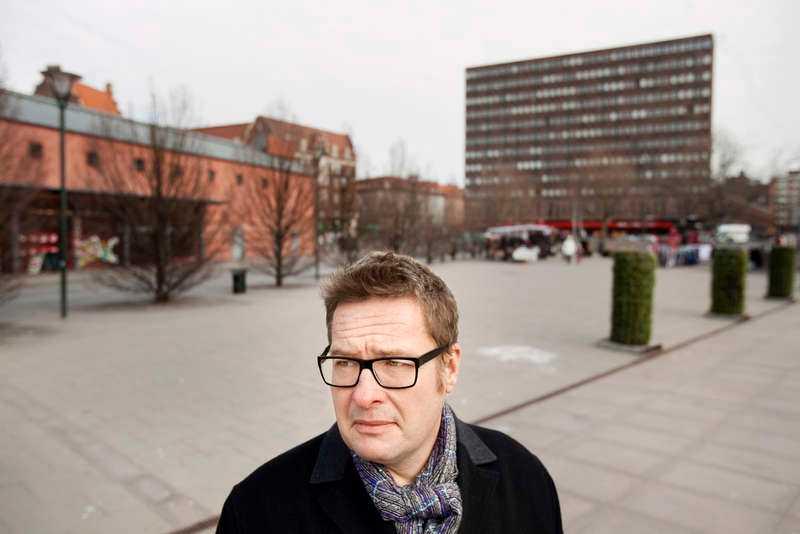 """Kristian Lundberg i Malmö, scenen för """"Yarden"""" och senaste boken """"En hemstad""""."""