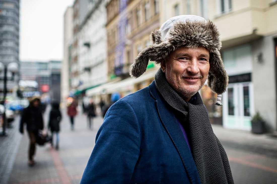 Adam Wasiak, 56, restaurangägare, Warszawa: – Just media bryr jag mig inte om, men jag är mest arg för att de går in och river upp lagar. Det är inte deras uppgift.