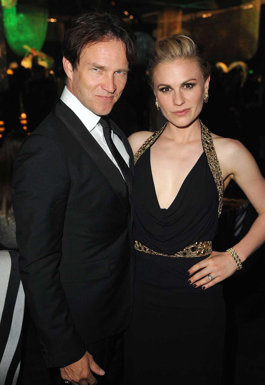 Stephen Moyer och Anna Paquin lämnade huggtänderna hemma och dök upp civila på Emmy-galan.