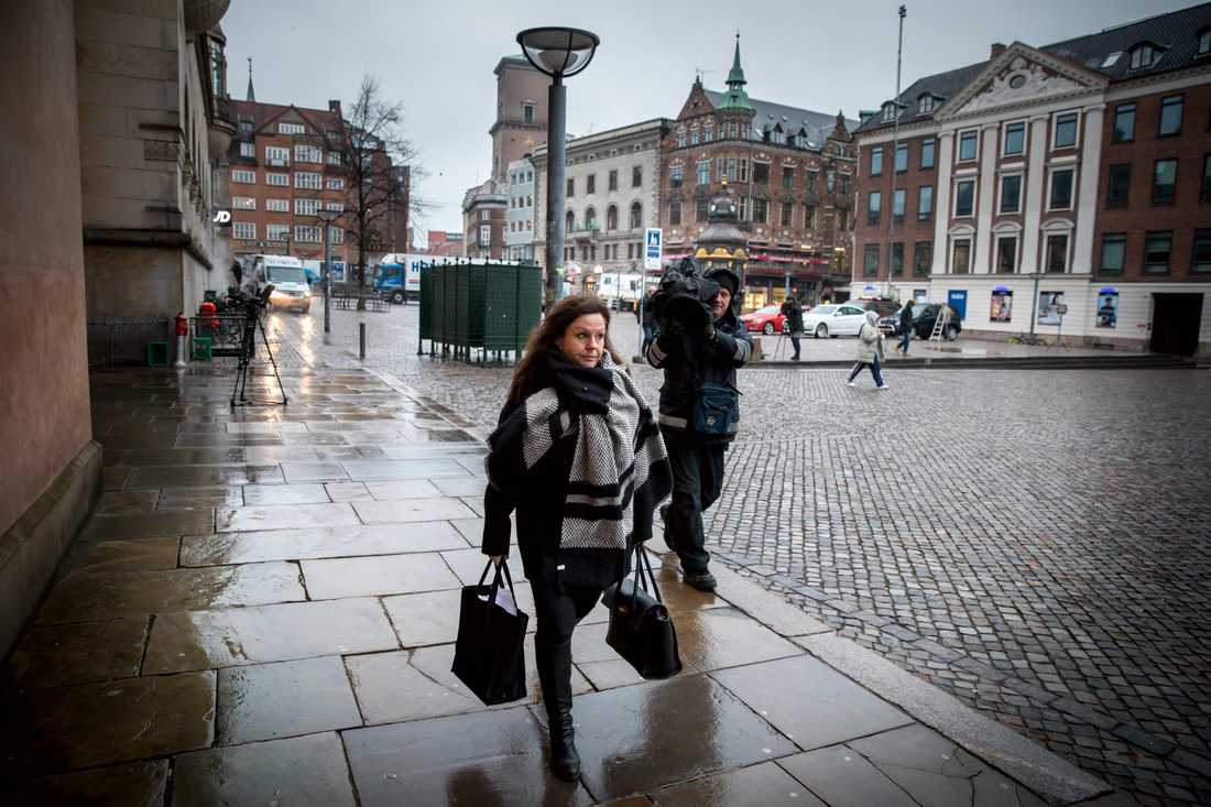Betina Hald Engmark ska fråga ut Peter Madsen i rätten i dag.