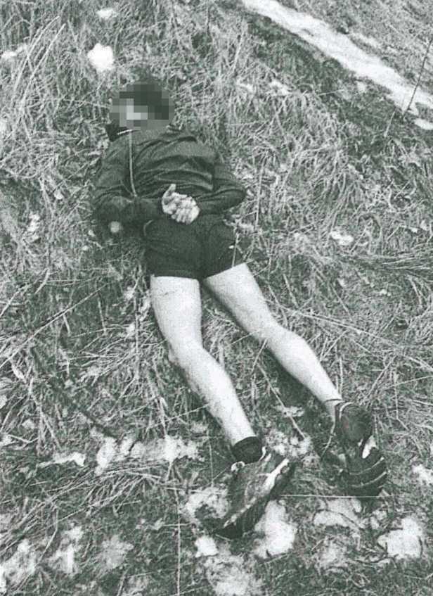 Polisens egna bild på gripandet efter rånet i Hässelby.