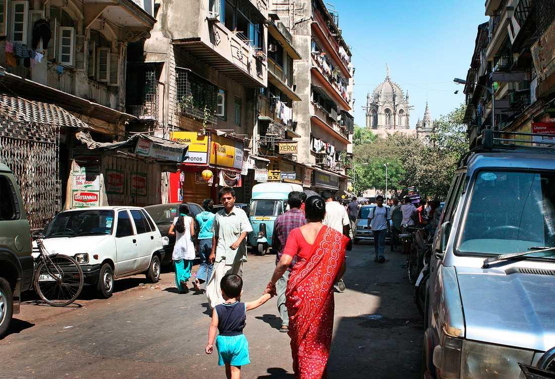 VÄRLDENS BILLIGASTE STAD ATT LEVA I Enligt Worldwide Cost of Living Index 2014, som sammanställs av Economist Intelligence Unit, är Bombay i Indien billigast att leva i.