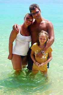 Janne Kull, hans dotter Vanessa och fru Camilla njöt av semstern tillsammans med vännen Peter Gutniak och hans dotter Tanja...
