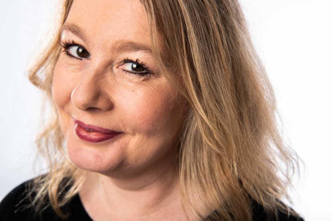 Åsa Linderborg slutar som kulturchef på Aftonbladet efter tio år. Nu blir hon senior reporter.