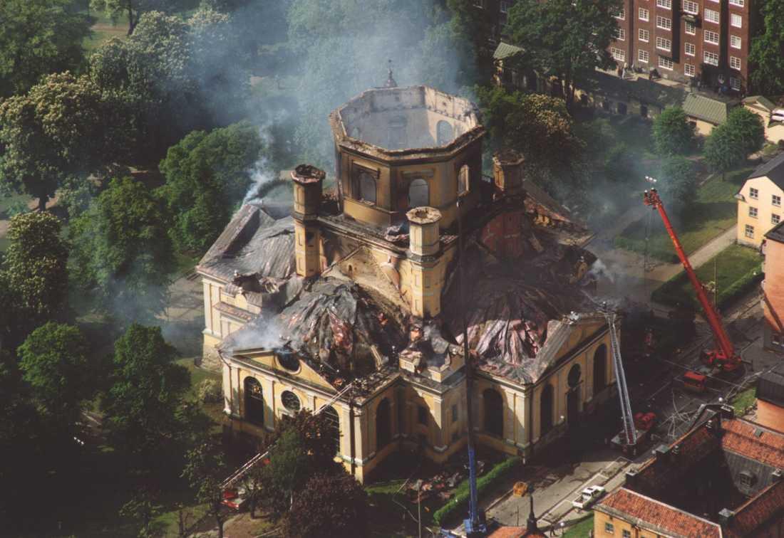 Ruinerna av Katarina kyrka i Stockholm efter branden den 17 maj 1990. Arkivbild.
