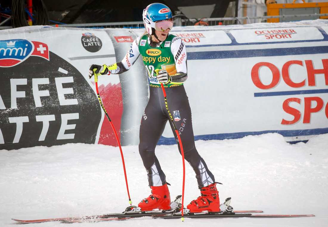 Mikaela Shiffrin, USA, efter sitt segeråk i damernas super-G-tävling i Lake Louise.