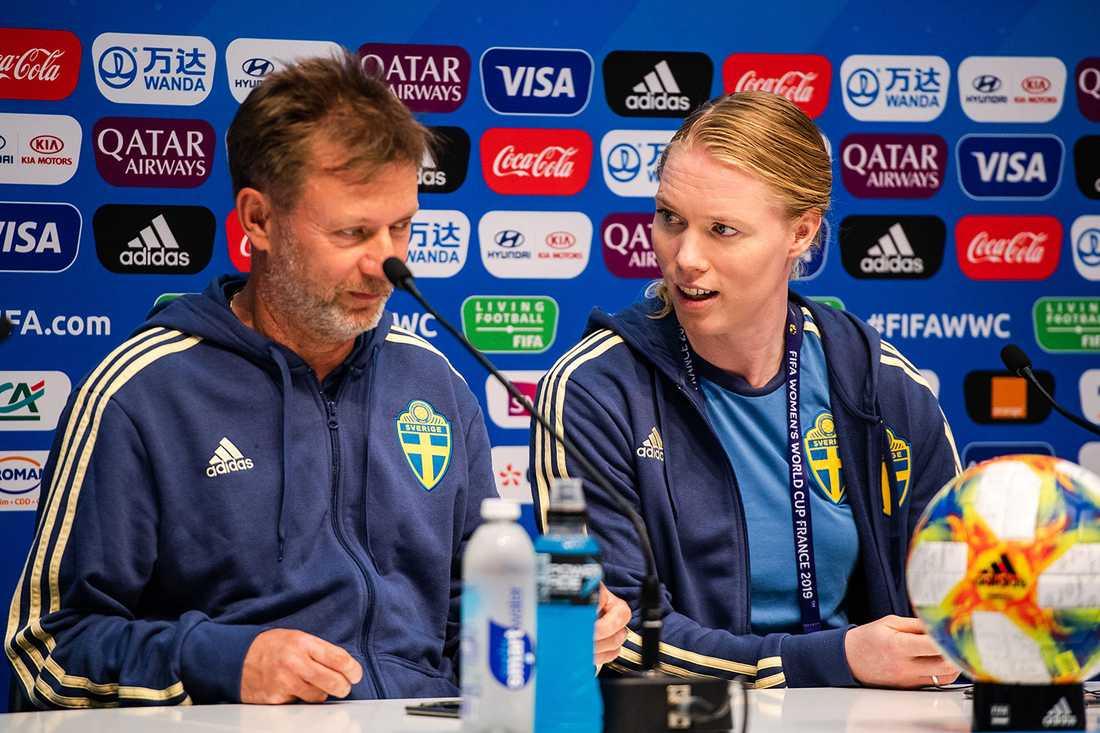 Peter Gerhardsson och Hedvig Lindahl.