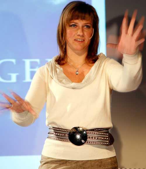 Märtha Louise driver en änglaskola i Norge. Här är hon vid ett föredrag i Lilleström tidigare i år.