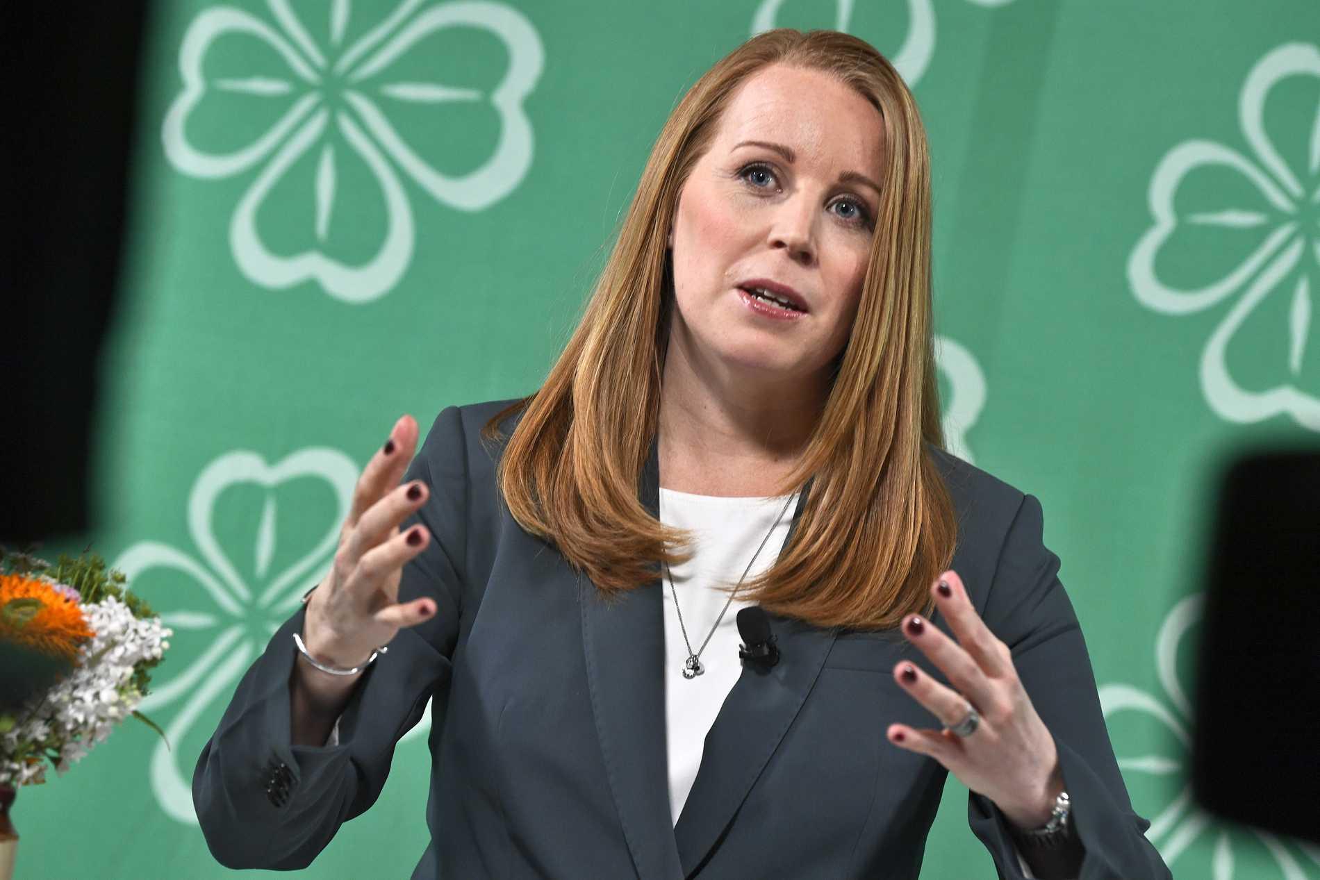 Annie Lööf måste börja se till vad som är bäst för landets elever.
