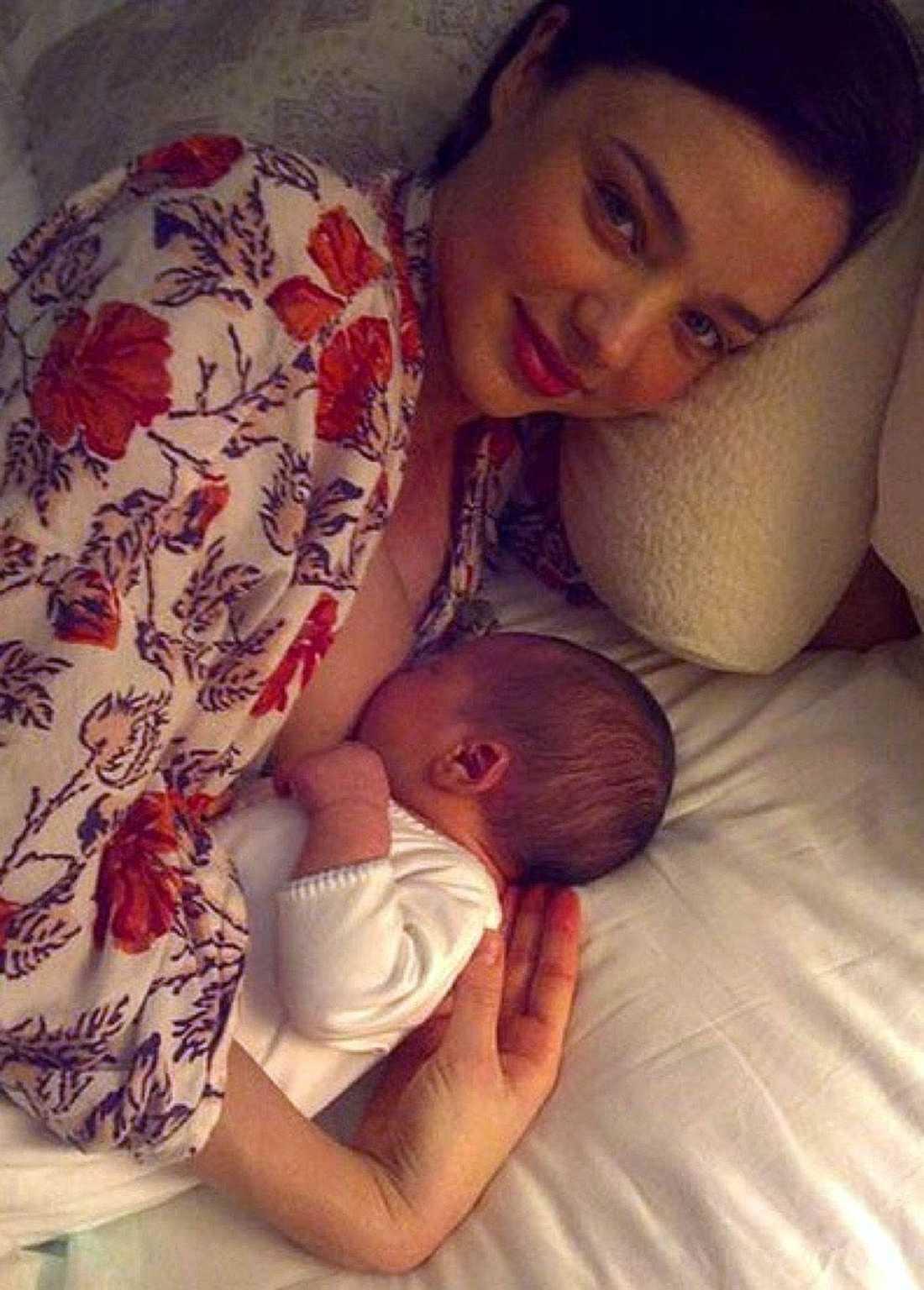 Miranda Kerr ammar sonen Flynn.
