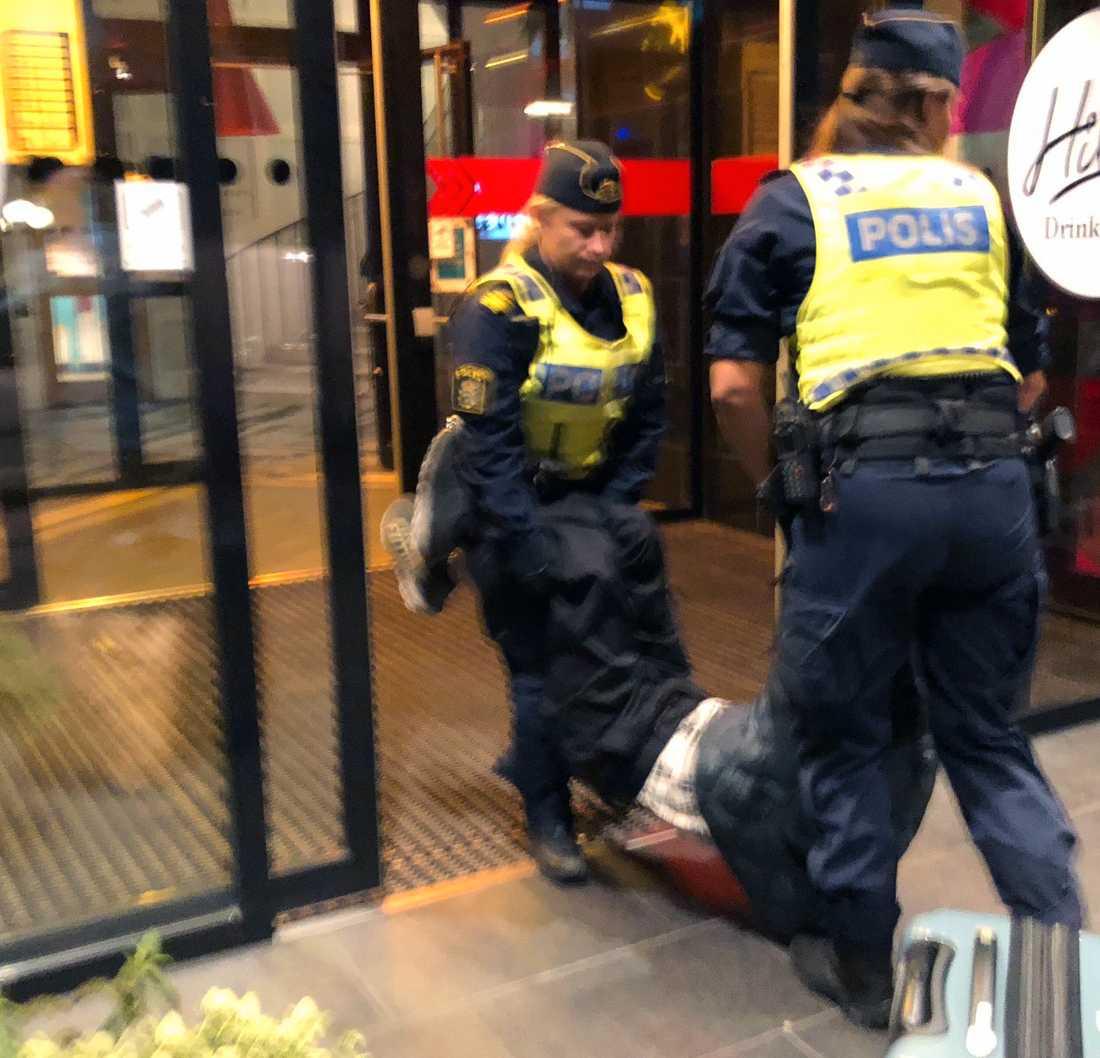 Incidenten där en grupp kinesiska turister avvisades från ett vandrarhem i Stockholm.