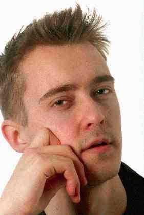 """Jonas Karlsson, som 24 år gammal gjorde en Guldbagge-nominerad roll i """"30:e november"""":"""