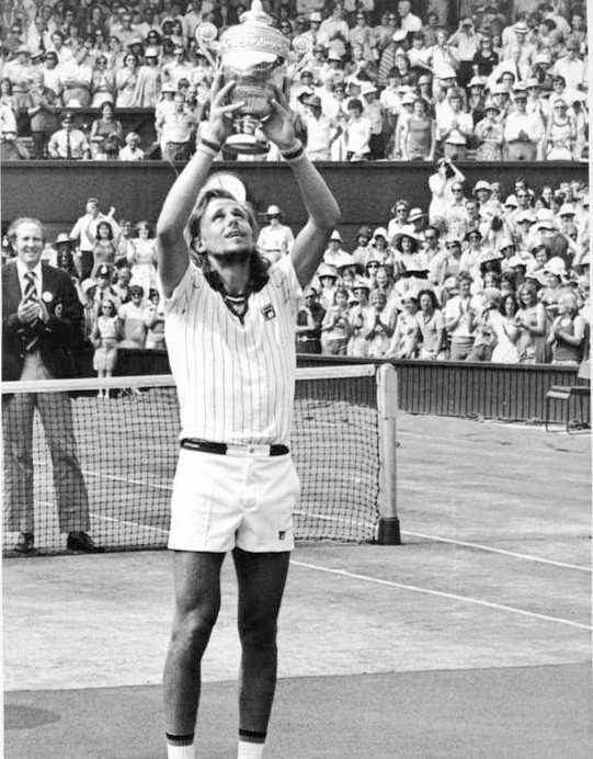 """2d9358d0d33 """"Vet inte vad som flög i mig"""" 2006 sålde Borg sina Wimbledonpokaler – något"""