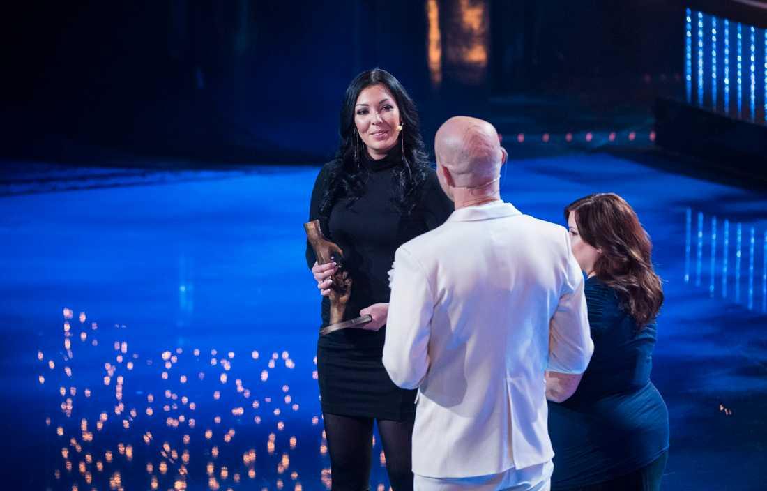 Jenny Englund tillsammans med programledaren Mark Levengood.