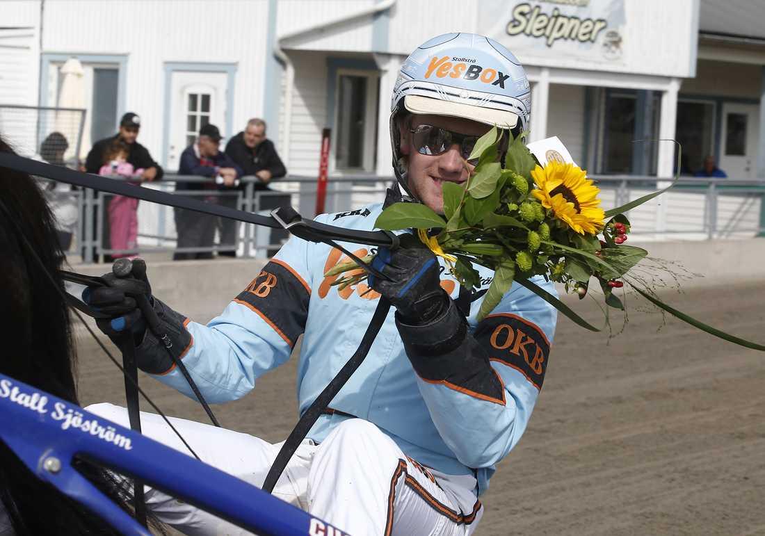 Spiken Demex körs av Wiktor Kylin-Blom.