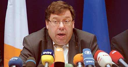 nytt nej 2005 röstade fransmän och holländare nej till den nya konstitutionen. Förra veckan sa även irländarna nej och premiärminister Brian Cowen fick svara på frågor under gårdagens EU-toppmöte i Bryssel.