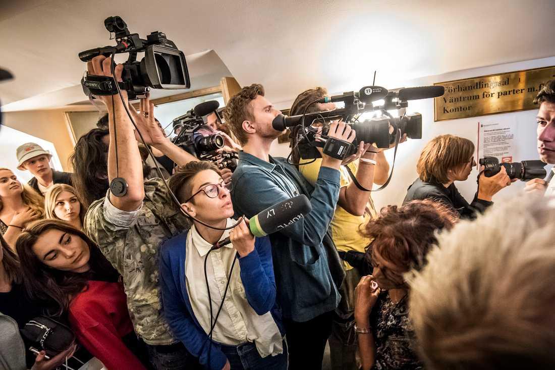 Rättegången mot Rakin Mayers, dag 3, drar till sig mycket press...